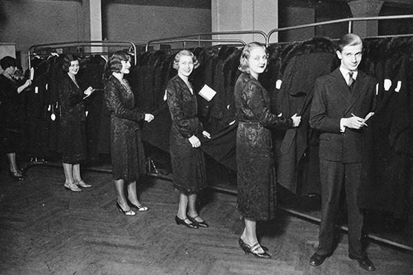 Staff at the Jewish-owned Leopold Seligman company in Hausvogteiplatz, Berlin, 1933. Archive Westphal