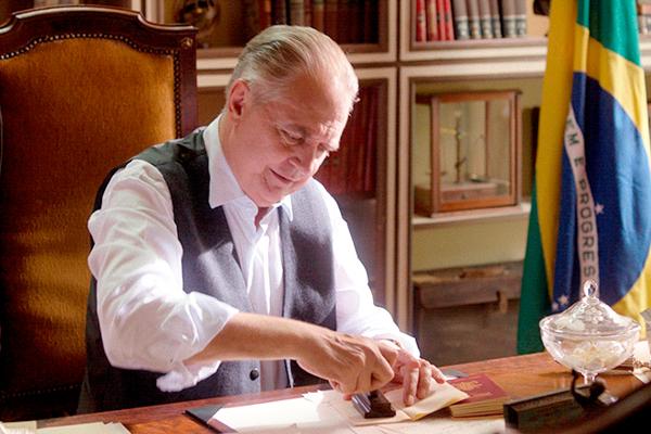 Norival Rizzo stars as Brazilian Ambassador Luiz Martins de Souza Dantas in Dear Ambassador. Globo Filmes