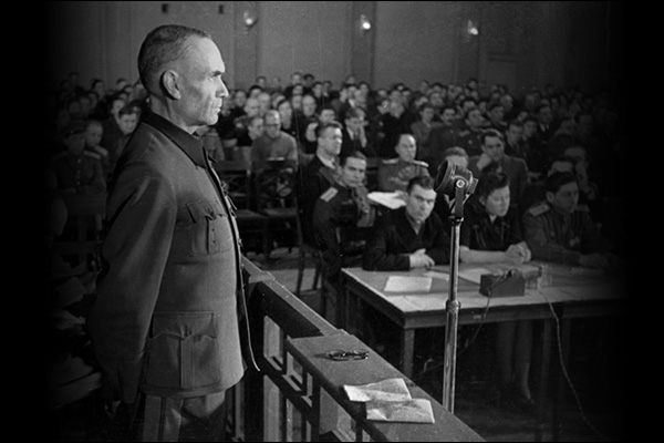 Friedrich Jeckeln being questioned before a Soviet military tribunal during the Riga Trials, 1946. Sovfoto