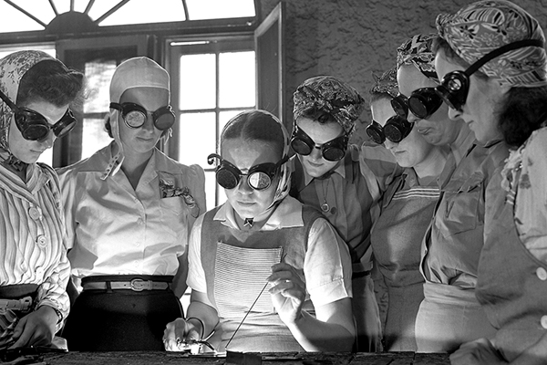 Women attend an airplane construction class at a vocational school in DeLand, Florida, in April 1942. Courtesy of Library of Congress Prints and Photographs Division Washington, DC